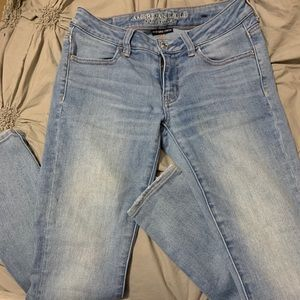 American Eagle light wash jeans size 4 short